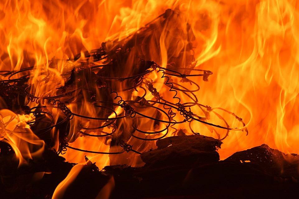 fire-1008937_960_720