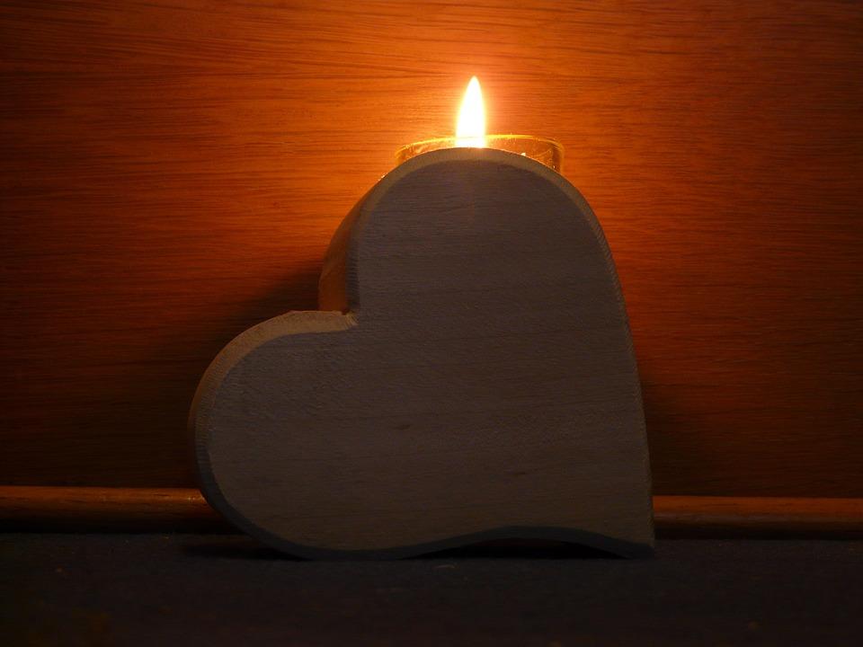 愛が憎しみに変わるプロセスで何が起こっているのか?